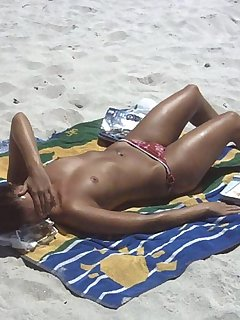 Tanning Nudist Pics