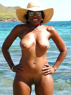 Ebony Nudist Pics