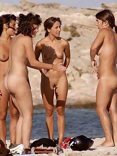 Exhibitionist Nudist Pics