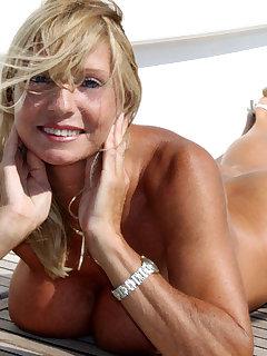 MILF Nudist Pics